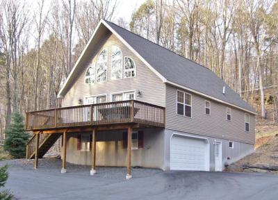 Photo of 103 Cold Spring Ln, Greentown, PA 18426