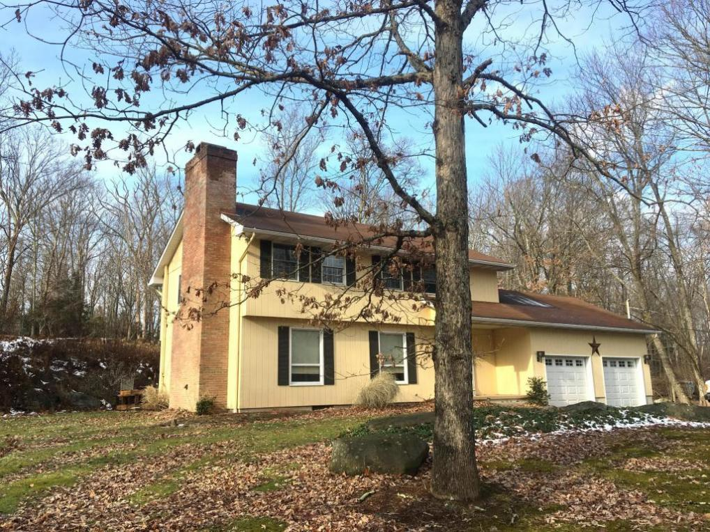 4164 Mill Creek Dr, Cresco, PA 18326