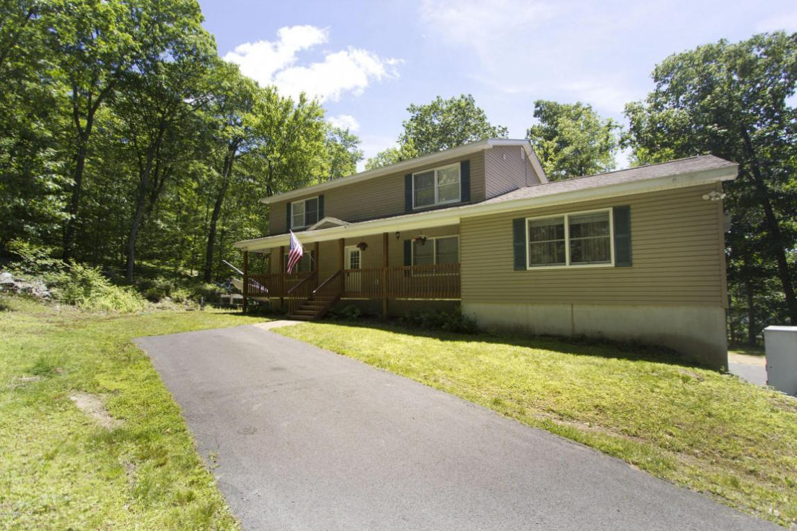 141 High Meadow Dr, Milford, PA 18337