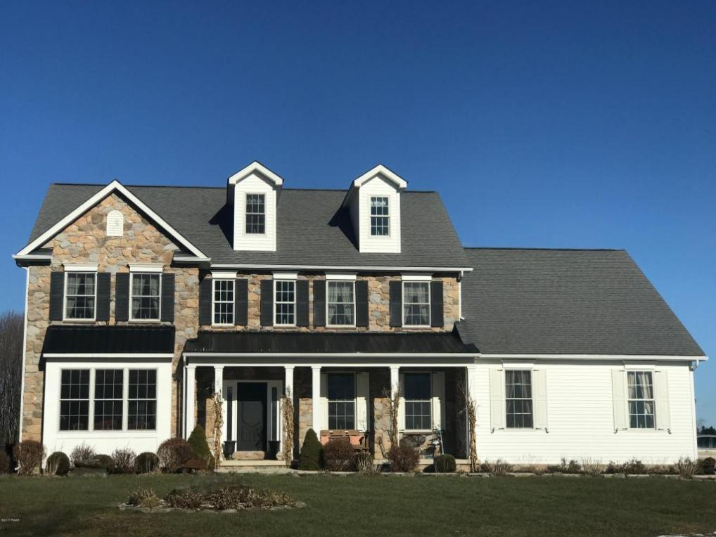 63 Mount Linn View, Waymart, PA 18472