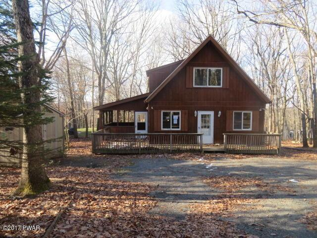 106 Horseshoe Ln, Lords Valley, PA 18428