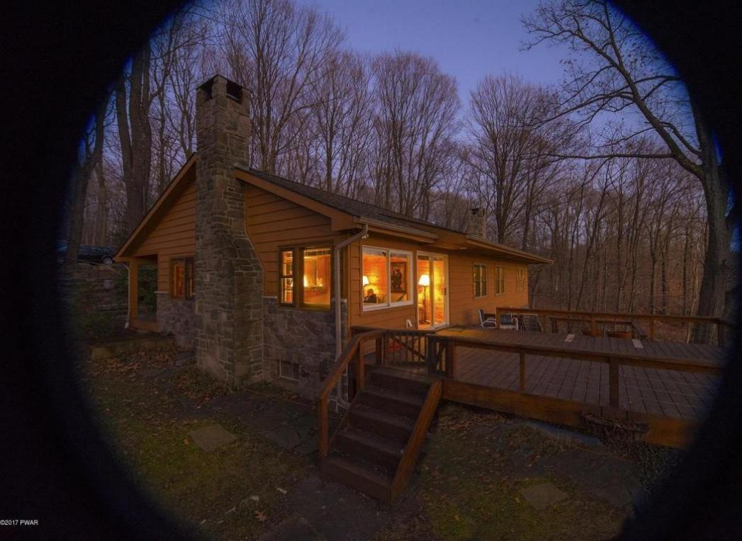 120 Lake In The Clouds Rd, Canadensis, PA 18325