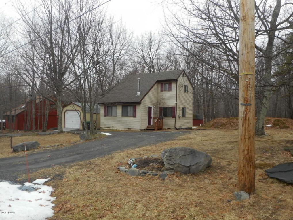 196 Mountain Top Cir, Bushkill, PA 18324