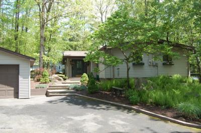 Photo of 213 Basswood Drive, Lords Valley, PA 18428