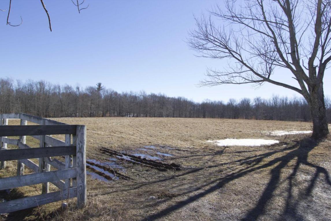 1186 Owego Tpke, Honesdale, PA 18431