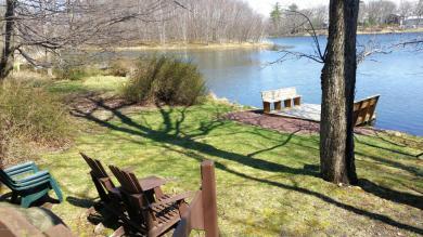 172 N Lake Dr, Dingmans Ferry, PA 18328