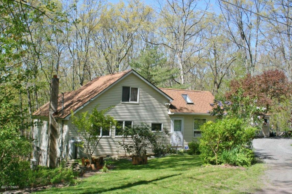 516 Lake Rd, Hawley, PA 18428