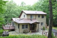 177 Water View Dr, Hawley, PA 18428