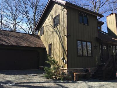 Photo of 800 W Whippletree Ct, Lords Valley, PA 18428