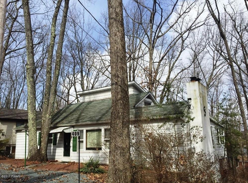 409 Sunset Forest Dr, Hawley, PA 18428