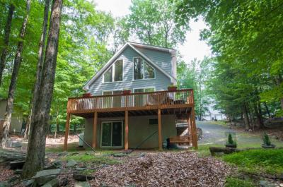 Photo of 1104 Mohican Rd, Lake Ariel, PA 18436
