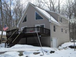 105 Red Breast Ln, Lackawaxen, PA 18435