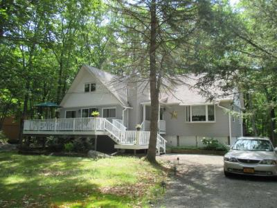 Photo of 523 Forest Dr, Lords Valley, PA 18428