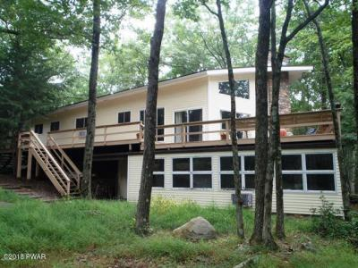 Photo of 812 Osprey Ct, Lords Valley, PA 18428