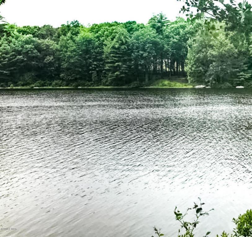4AR Lakefront Dr, Hawley, PA 18428