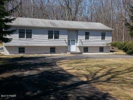 109 Paul Revere Rd, Lackawaxen, PA 18435