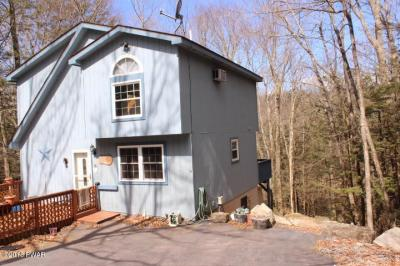 Photo of 3567 Chestnut Hill Dr, Lake Ariel, PA 18436