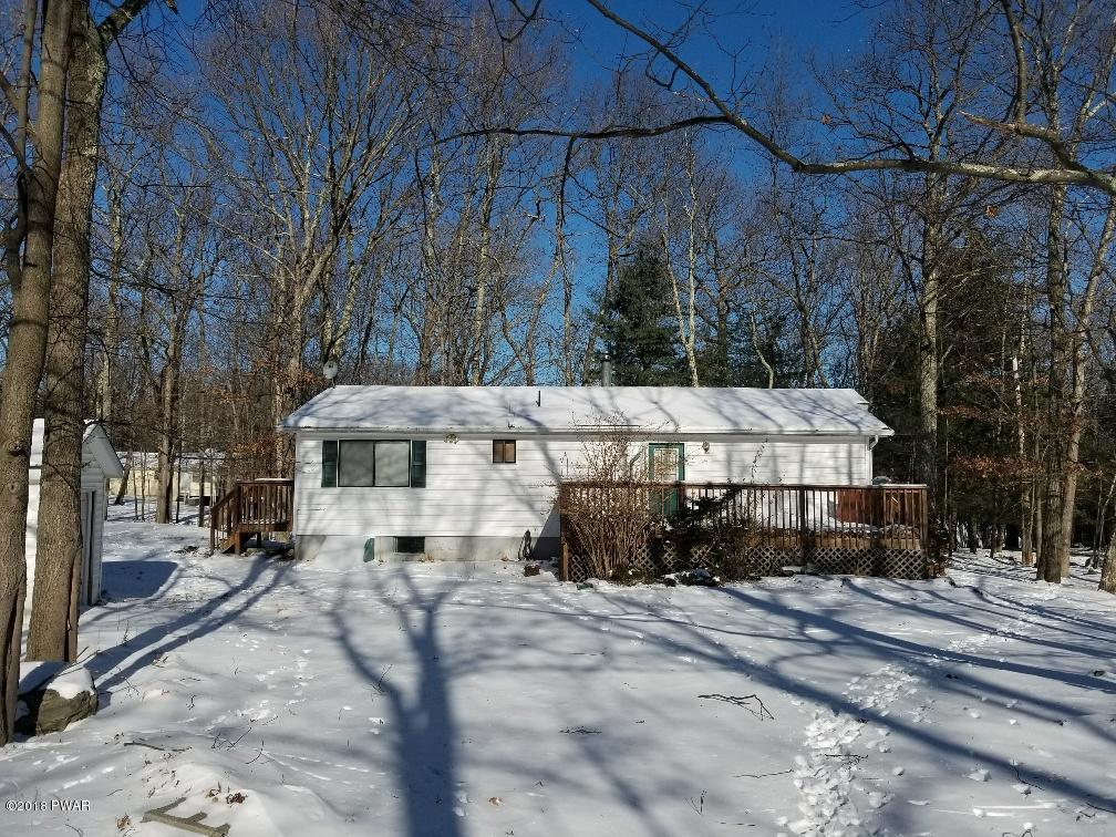 139 Lakeview Dr, Dingmans Ferry, PA 18328