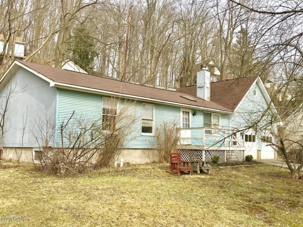 14 Settlers Aly, Hawley, PA 18428