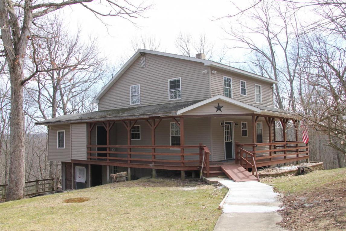 166 Eastwood Cir, Hawley, PA 18428