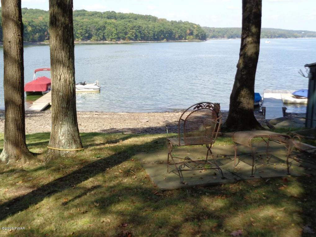 1253 Goose Pond Rd, Lake Ariel, PA 18436