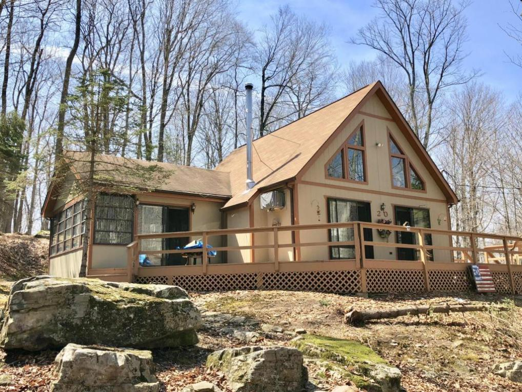 20 Oak Dr, Lake Ariel, PA 18436
