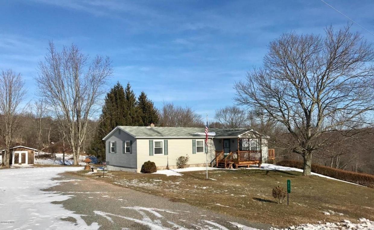 319 Tryon St, Honesdale, PA 18431