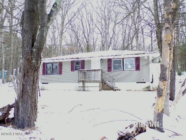 134 E Shore Dr, Dingmans Ferry, PA 18328