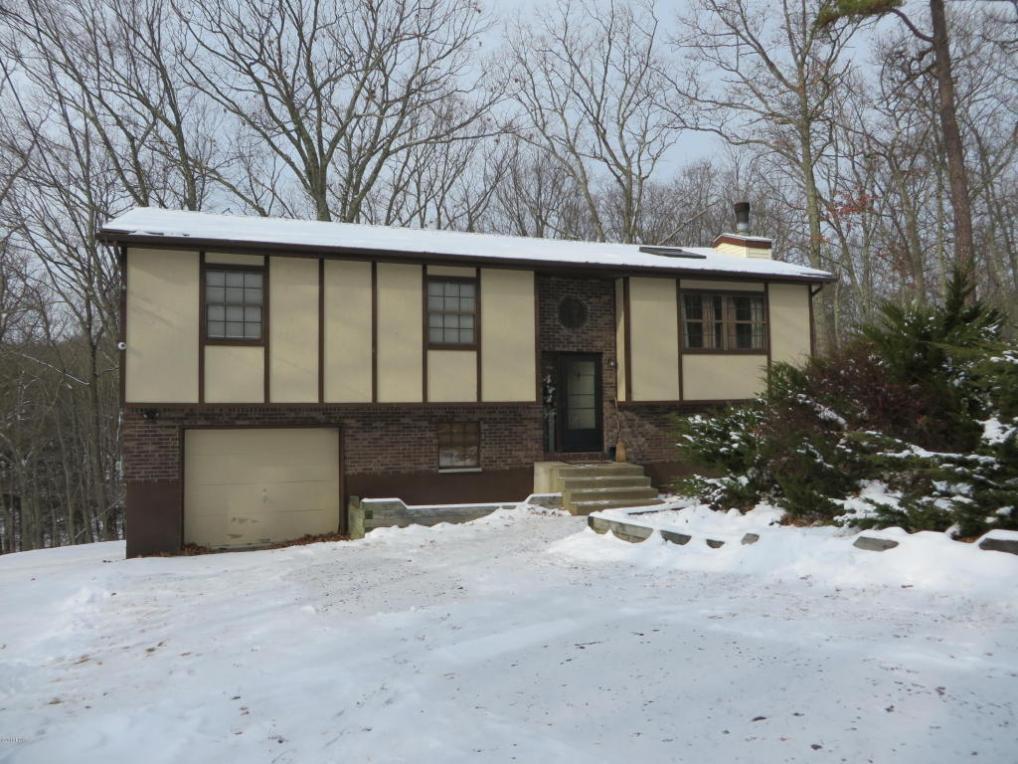 3140 Spring Ct, Bushkill, PA 18324