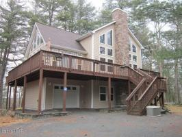 164 Falling Waters Blvd, Lackawaxen, PA 18435