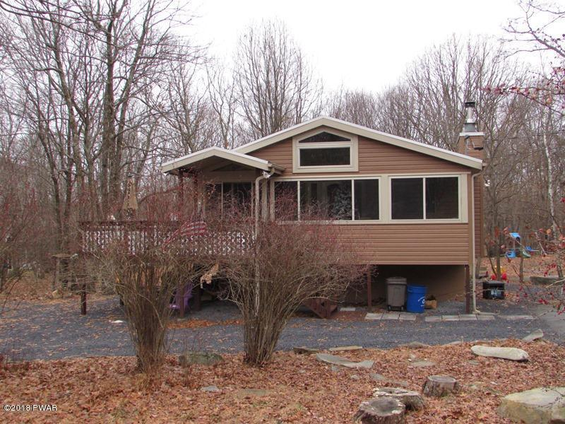 128 Heather Hill Rd, Dingmans Ferry, PA 18328