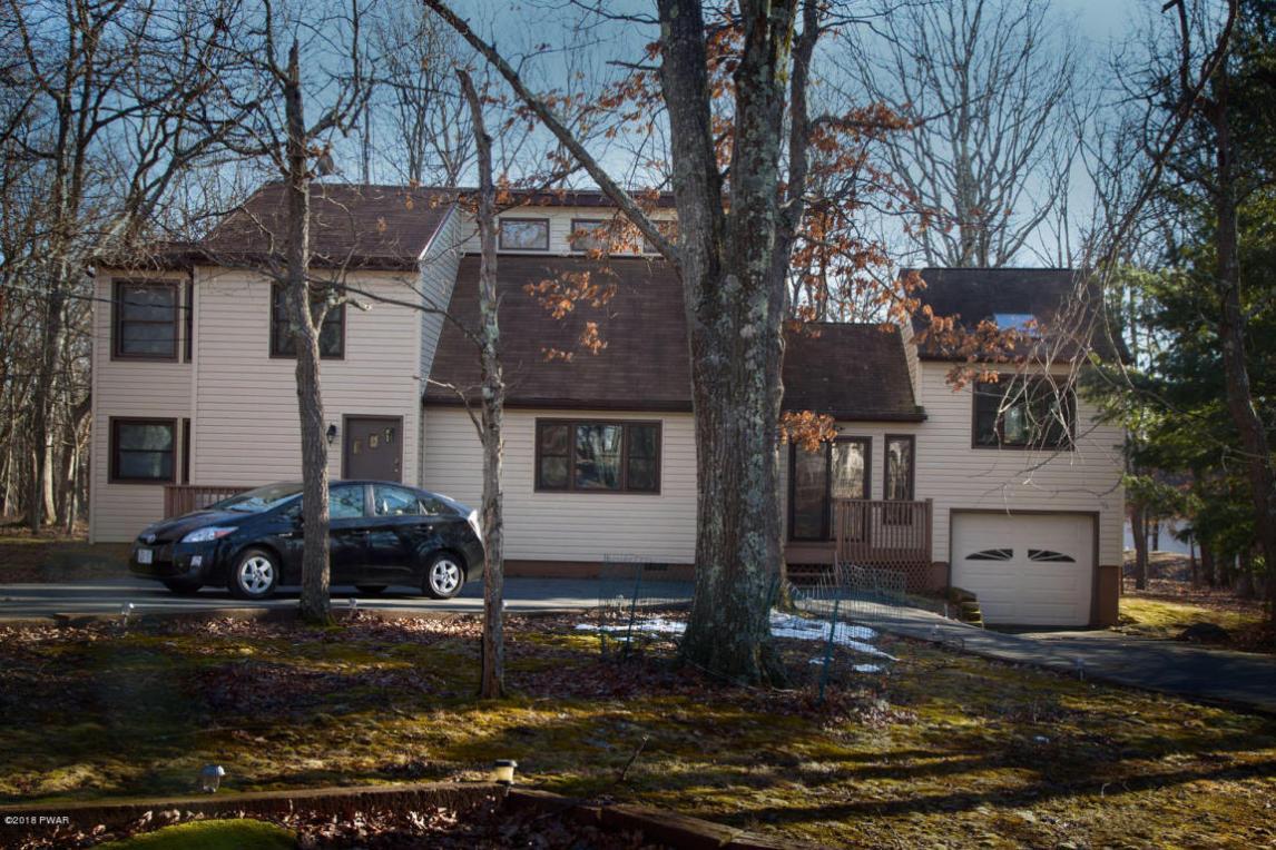 804 N Gaskin Ct, Hawley, PA 18428