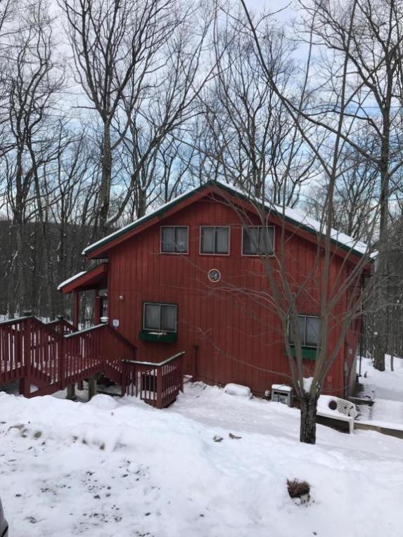 118 Copper Mountain Rd, Tafton, PA 18464