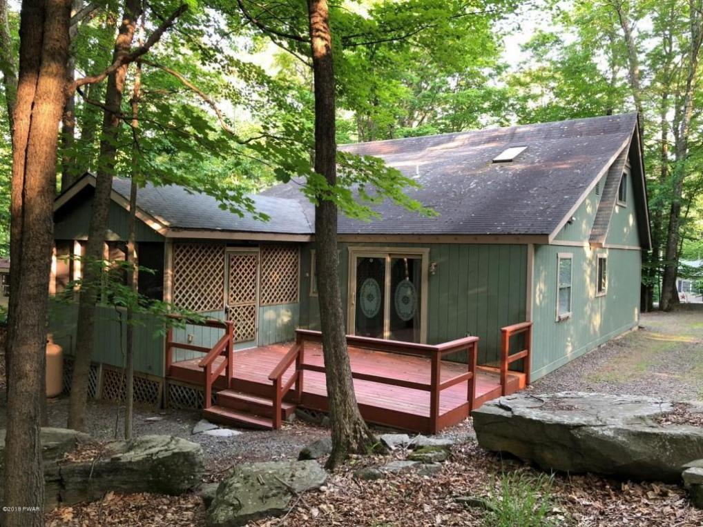 4228 Chestnuthill Dr, Lake Ariel, PA 18436