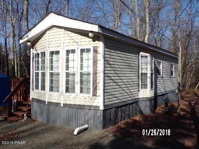 1946 W Village Dr, Milford, PA 18337