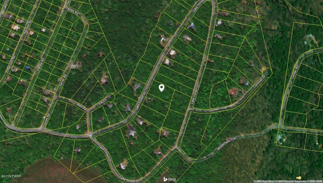 697 Lake Forest Dr, Dingmans Ferry, PA 18328