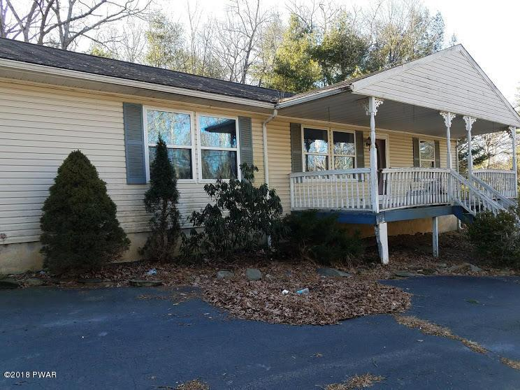 126 Townsend Cir, Dingmans Ferry, PA 18328
