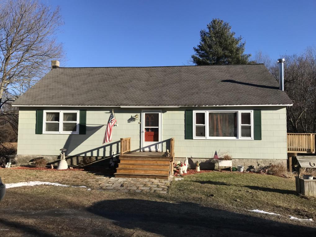 224 Raymondskill Rd, Milford, PA 18337