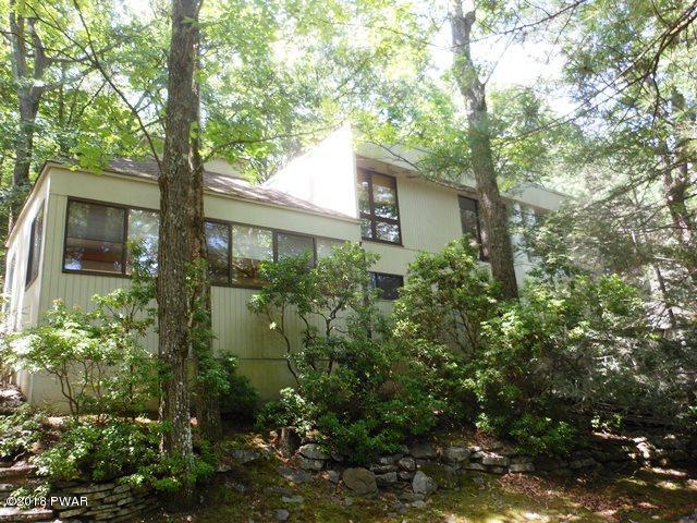 105 Summer Hill Rd, Lords Valley, PA 18428