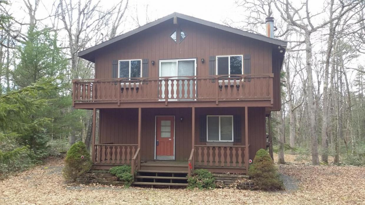 802 Nugget Ct, Lords Valley, PA 18428
