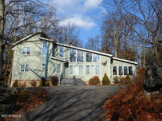 126 Surrey Dr, Lords Valley, PA 18428