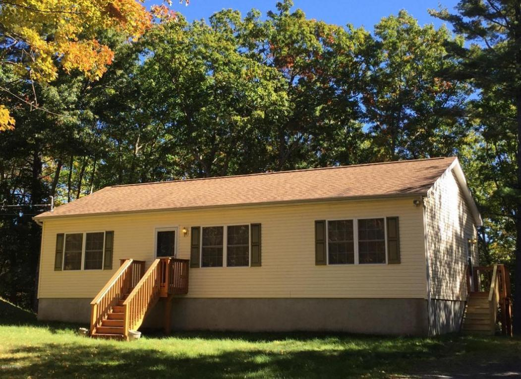 125 Beach Ln, Dingmans Ferry, PA 18328