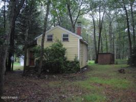 215 Brewster Rd, Dingmans Ferry, PA 18328