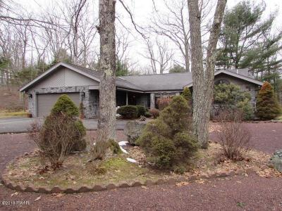 Photo of 324 Maple Ridge Dr, Lords Valley, PA 18428