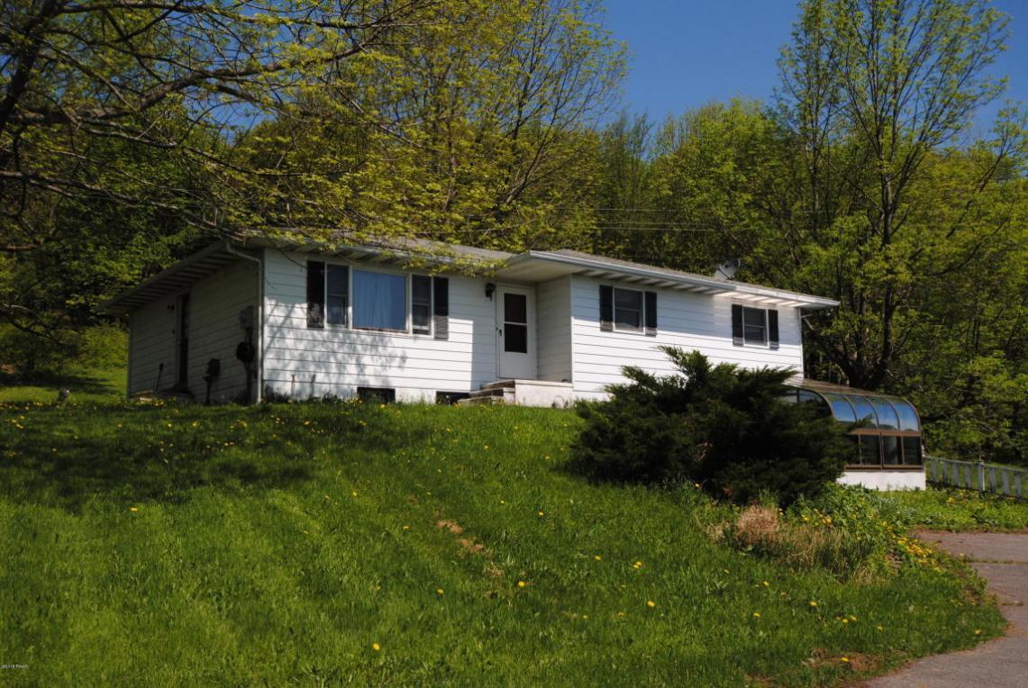 1307 Crosstown Hwy, Lakewood, PA 18439