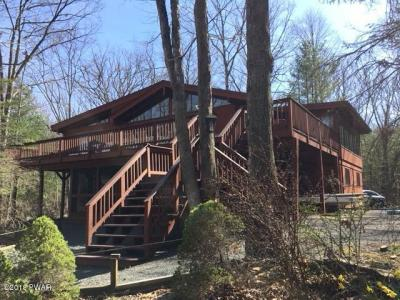 Photo of 221 Basswood Dr, Lords Valley, PA 18428