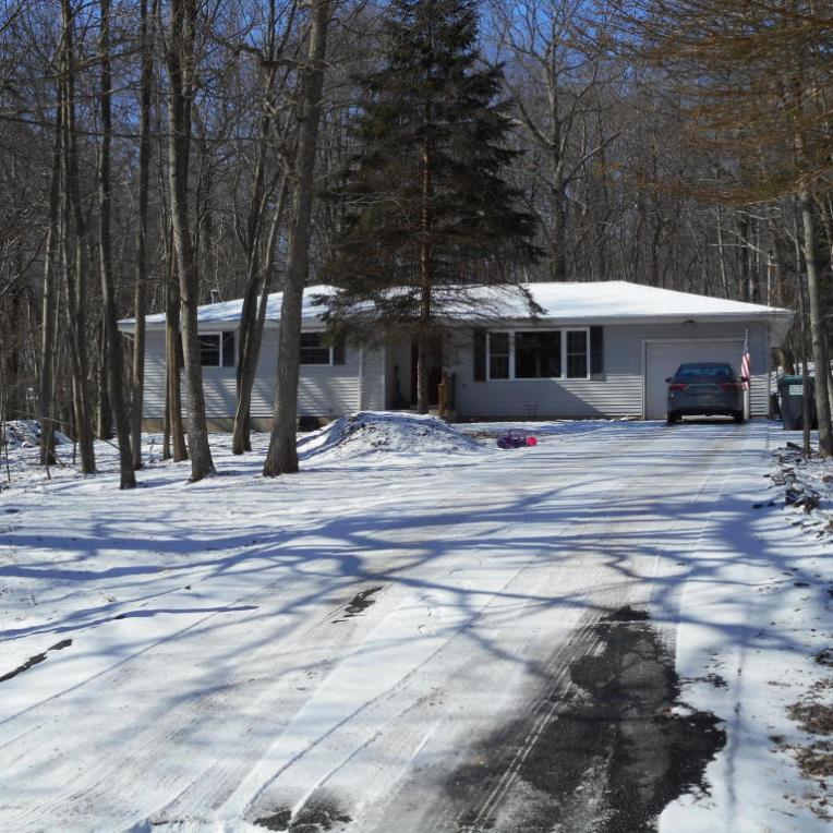 119 French Coach Rd, Milford, PA 18337