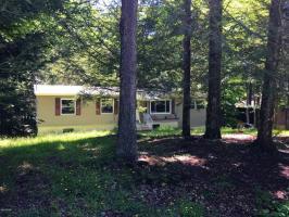 1042 Rolling Hills Dr, Lake Ariel, PA 18436