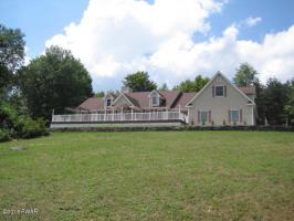 4 Crooked Creek Rd, Pleasant Mount, PA 18453
