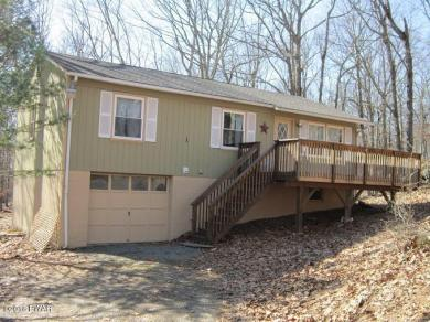 120 Log Cabin Dr, Lackawaxen, PA 18435